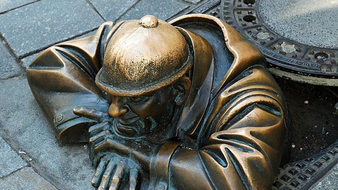 Bratislave kunstbeeld van brons